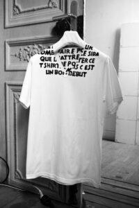 エイズTシャツ